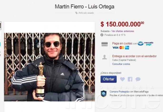 Ganó un Martín Fierro y lo subasta por internet
