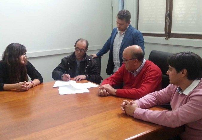 Municipales deciden si aceptan la oferta paritaria