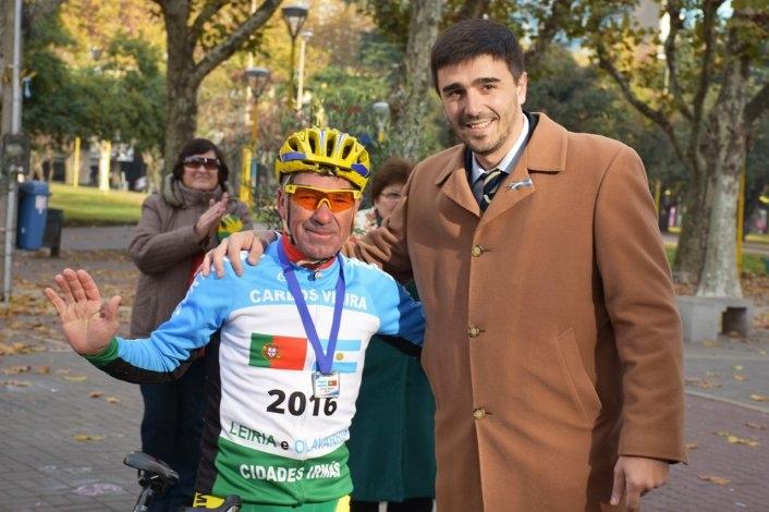 Llegó a Olavarría el récord Guinness Carlos Vieira
