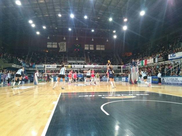 Las Panteras perdieron frente a Bulgaria en Olavarría