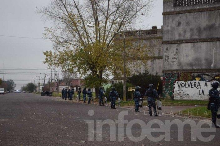 Detienen a dos hermanos por las usurpaciones en barrio Independencia