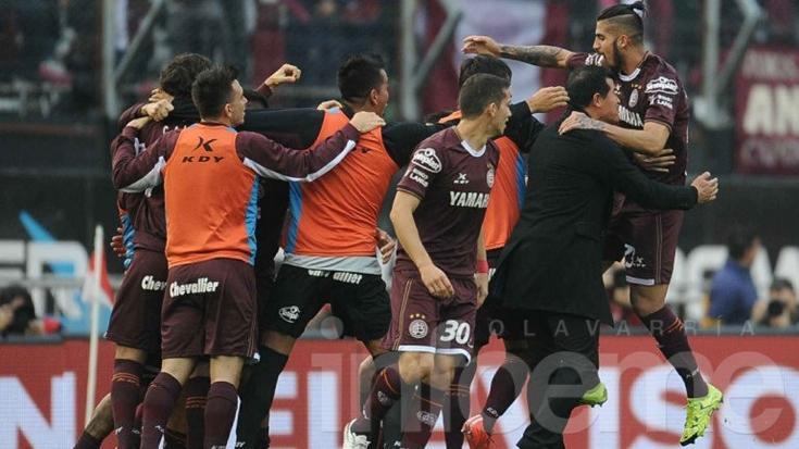 Lanús vapuleó a San Lorenzo y es el campeón