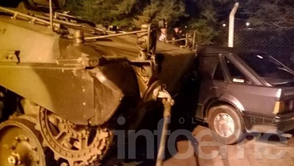 Un tanque de guerra chocó contra un auto en Entre Ríos