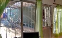 Vidrios rotos y clases suspendidas en el Jardín 923