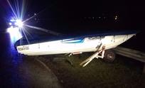 Una camioneta que transportaba un bote despistó en la Ruta 226