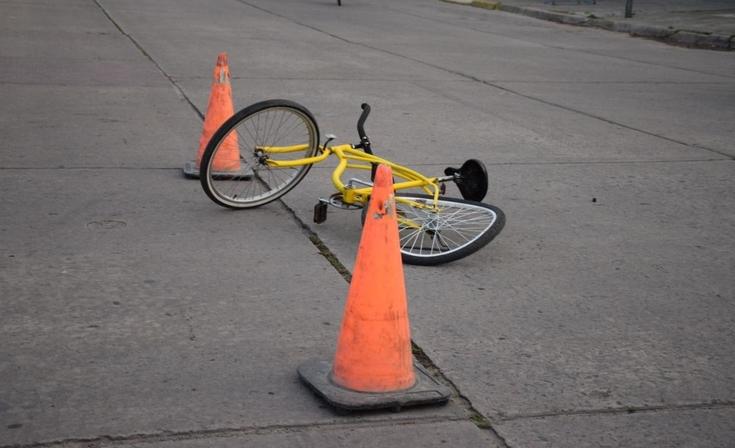 Una ciclista herida tras un accidente con un auto