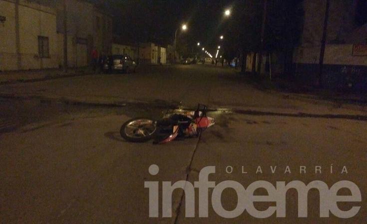 Giró en U y embistió a una moto: un herido