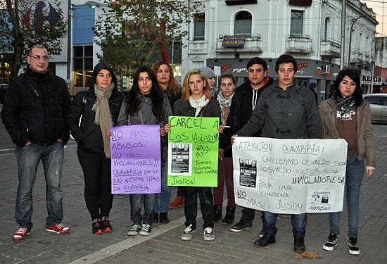 Se manifestaron víctimas de un caso de abuso y sus familiares
