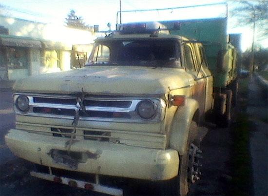 Secuestran un camión y una moto en operativos