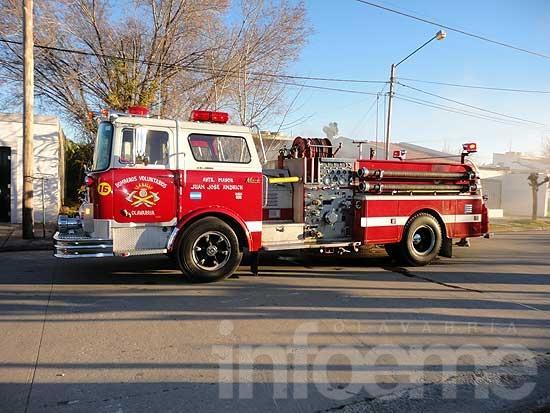 Bomberos intervinieron en un incendio y un siniestro vial
