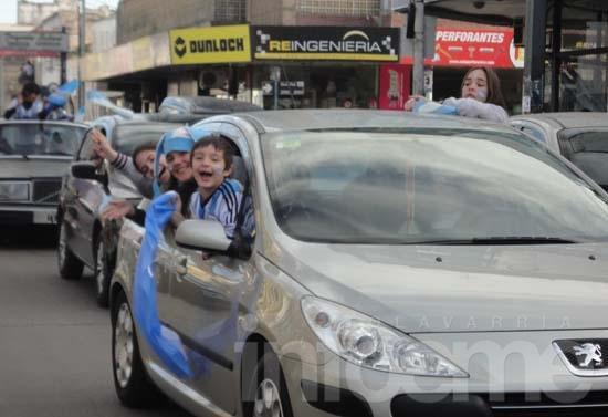 Argentina ganó y la gente festejó en el centro de la Ciudad