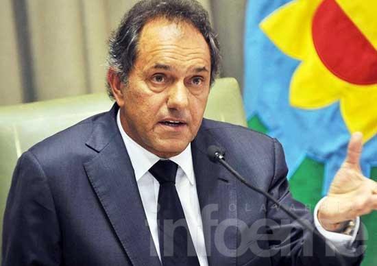 Scioli analiza imponer la Policía comunal por resolución