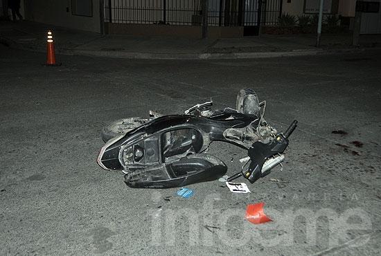 Permanece en grave estado el motociclista accidentado