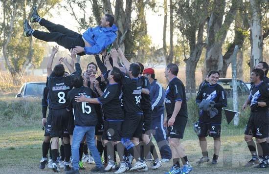 Independiente y Ferrosur los campeones