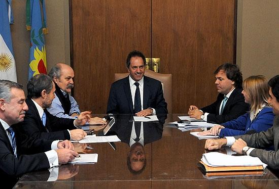 Scioli firmó el decreto para crear las policías municipales
