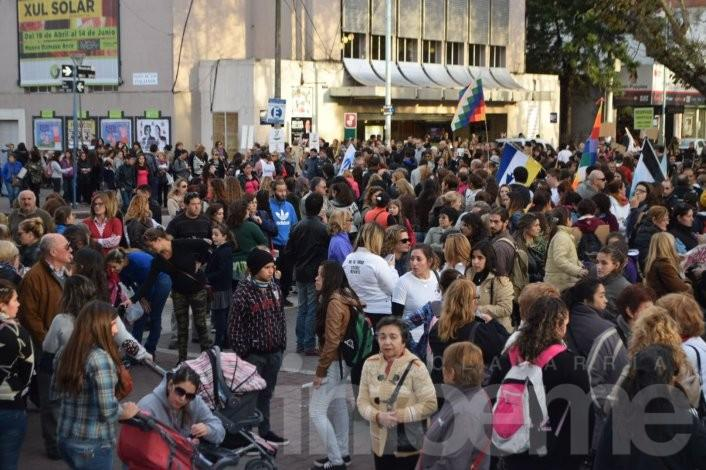 Una multitud se movilizó en Olavarría bajo la consigna #NiUnaMenos