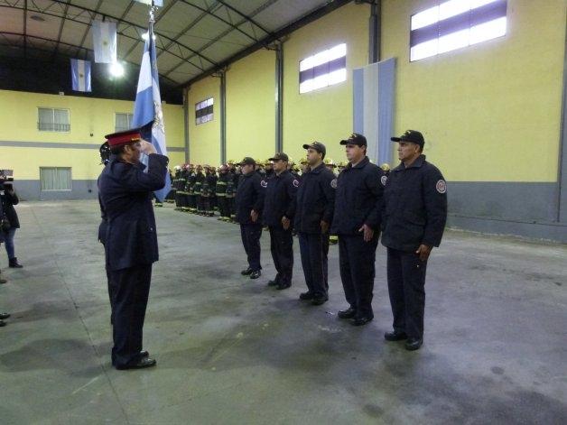 Emotivo reconocimiento a los bomberos voluntarios
