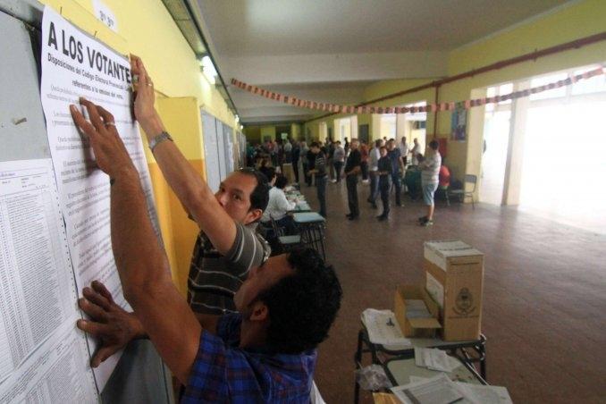 Santa Fe y Río Negro eligen gobernador