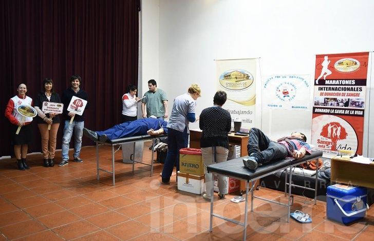 Un gran número de voluntarios donaron sangre
