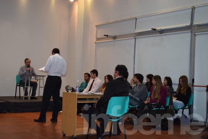 Ante mucho público presente, se realizó un simulacro de Juicio por Jurados