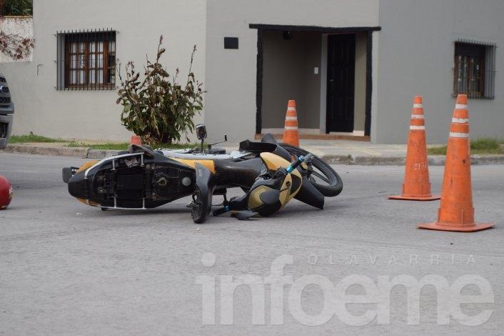 Choque en San Vicente: Una motociclista herida