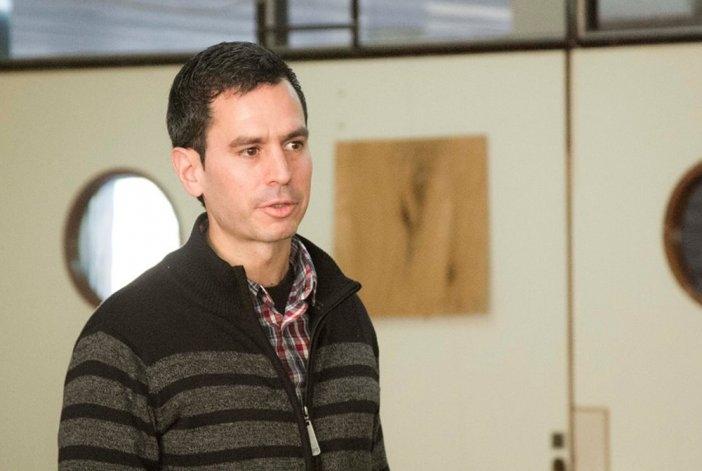 Fpv: José González Hueso también competirá por la intendencia
