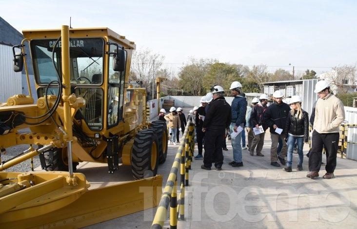 Comenzó el curso de operador de maquinaria de suelos en ITECO