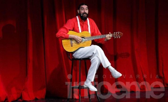 "Hugo Varela presenta ""La Guitarra Indomable"""