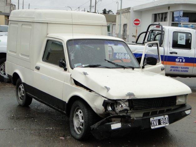 Dos mujeres heridas tras fuerte choque entre una moto y una camioneta