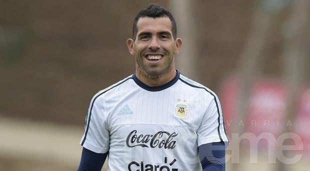 Tevez firma con Boca después de la Copa América
