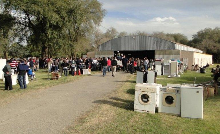 Más de 250 lotes listos para el remate solidario de Bomberos