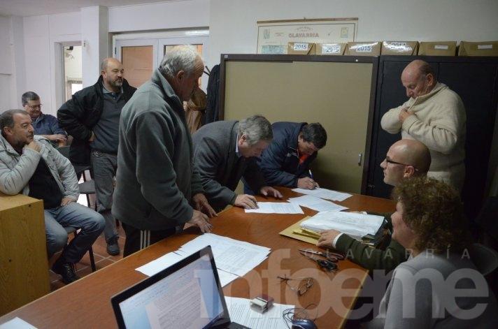 Apertura de licitaciones para obras en barrios y localidades