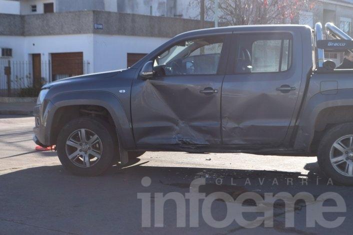 Violento accidente entre dos vehículos: una adolescente herida