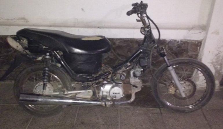 Secuestran moto con chasis y motor adulterado
