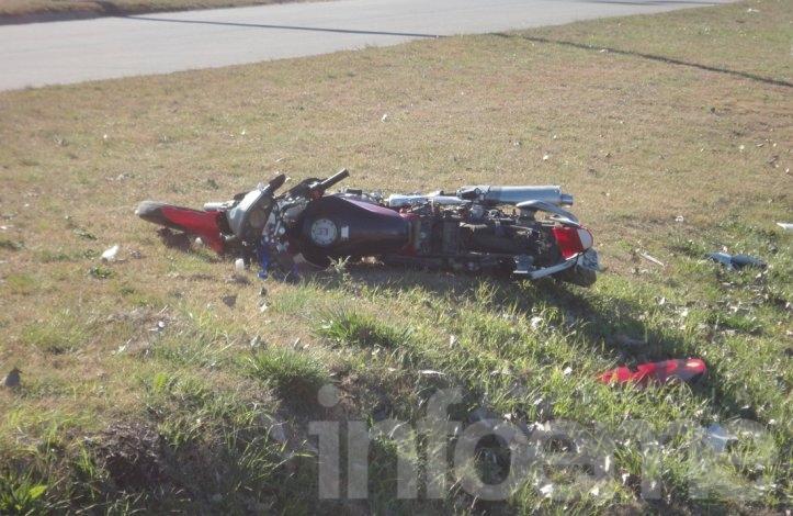 Violento accidente en la rotonda de 226 y Emiliozzi: dos heridos
