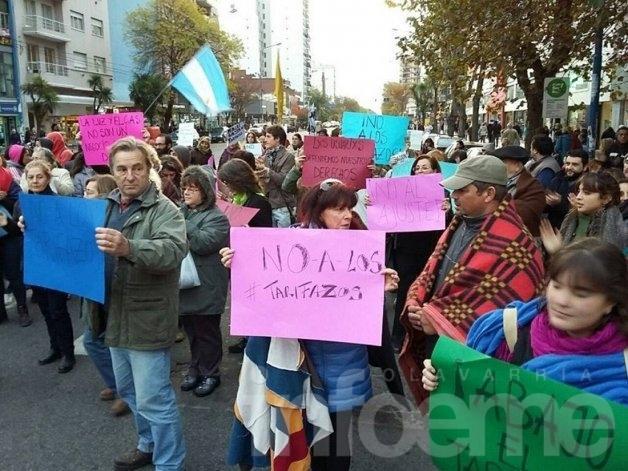 """Convocan a una """"marcha de las frazadas"""" contra los tarifazos"""