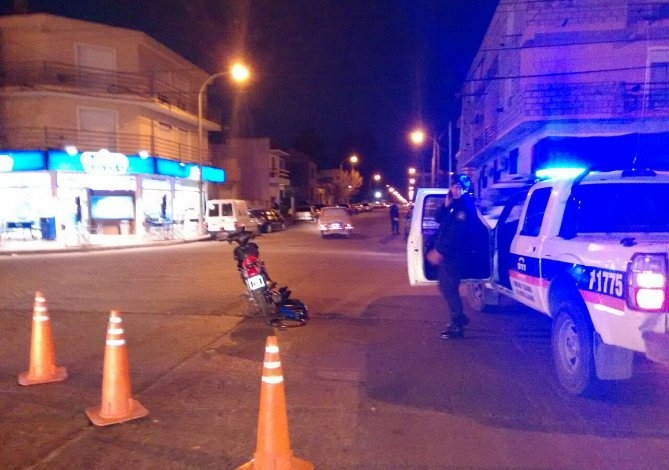 Motociclista herida en un accidente de tránsito