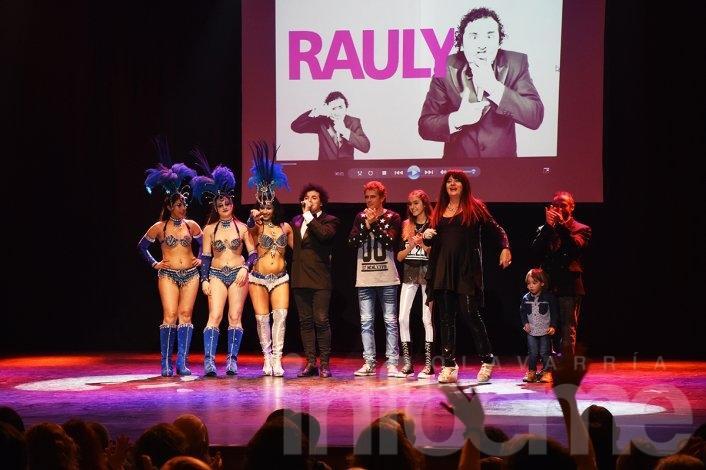 """Rauly Zárate presentó """"Mi vida es una risa"""""""