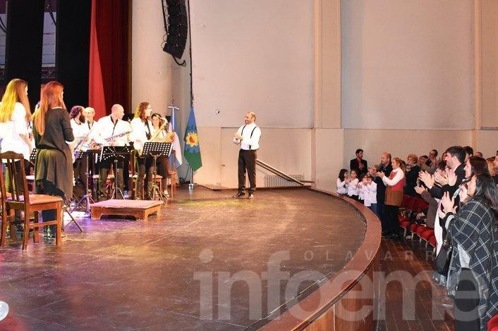 Con la gala oficial cerraron los festejos por el Día de la Bandera