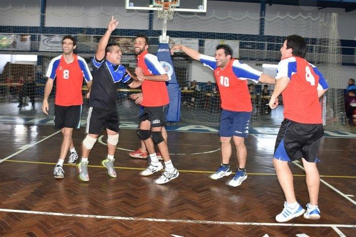 """Copa """"Ciudad de Olavarría"""": Olimpo y Coronel Vidal, campeones"""