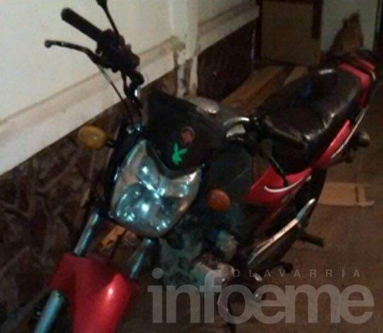 Querían robar una moto en la Terminal y los atraparon