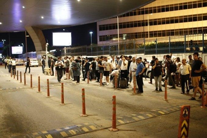 El aeropuerto de Atatürk vuelve a operar