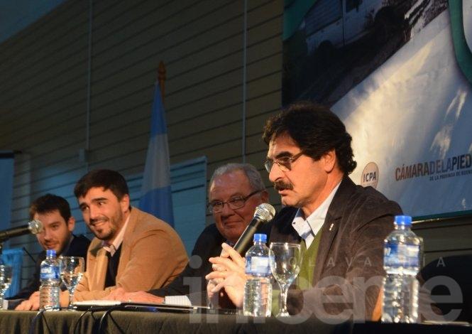 Ante un auditorio colmado, abrió el Congreso Argentino de Caminos Rurales
