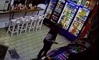 Video: así asaltaron a mano armada un kiosco del centro