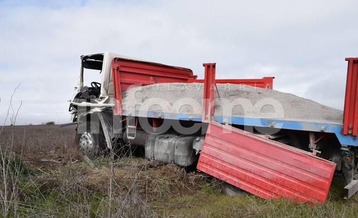 Un herido tras fuerte choque entre dos camiones en la Ruta 226