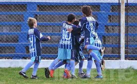 """Ferro, Embajadores y Cusa, los campeones del """"Terminiello"""""""
