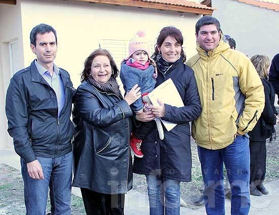 Entregaron ocho nuevas viviendas del barrio Bancario III