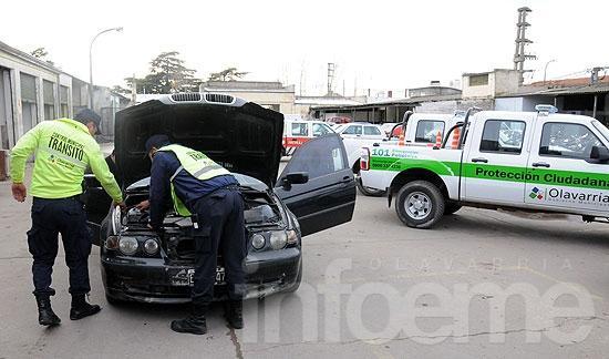Retienen BMW con pedido de secuestro por robo