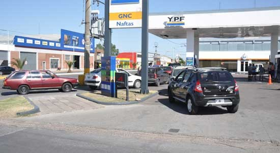 Corte Suprema aceptó entender en demanda por tasa a la nafta