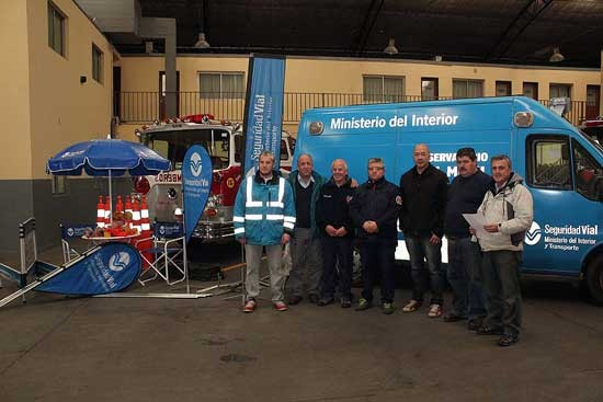 La ANSV entregó equipamiento a bomberos
